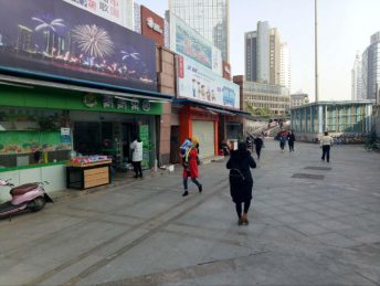 芙蓉广场地铁口95㎡水果店转让_搜门面网