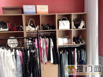 50平米的服装饰品小店装修效果图及装修预算等等-求